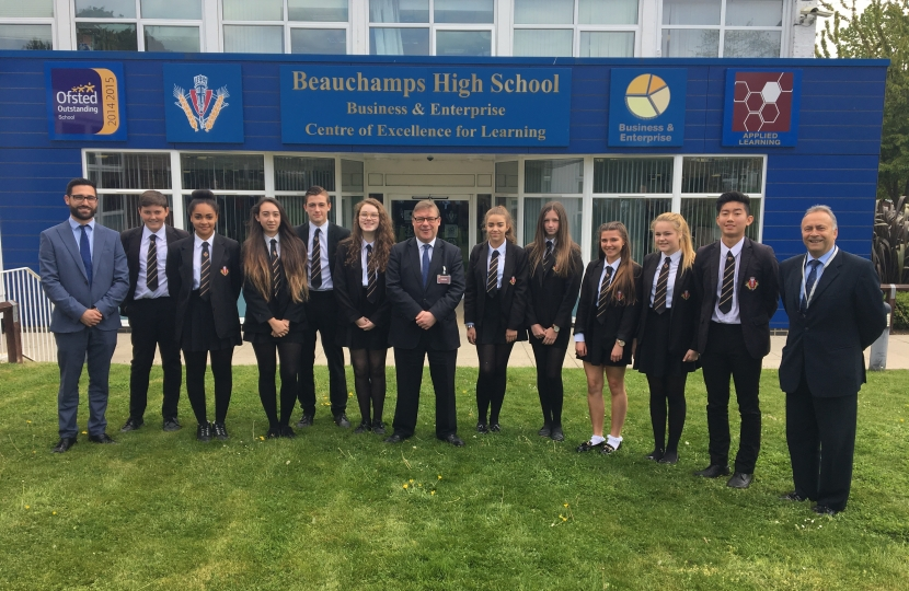Mark Francois with Headteacher Mr Bob Hodges and Year 9 pupils at Beauchamps who quizzed Mark on his job as an MP during his visit to the school.